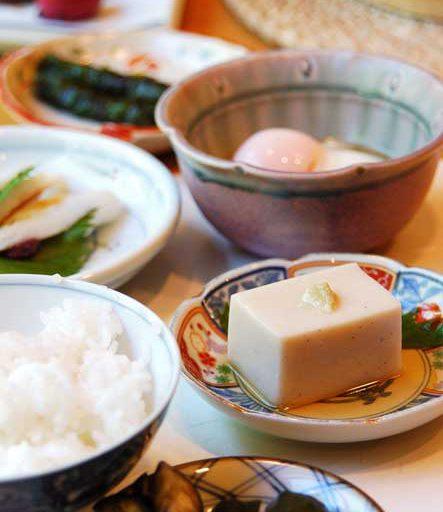 みやまの朝食のくるみ豆腐は